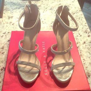 Beautiful like new glam heels!!